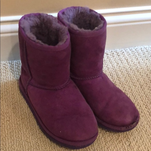 cd7874a1885 Uggs girls purple classic boot size 3